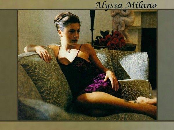 alyssa milano 0a44137f