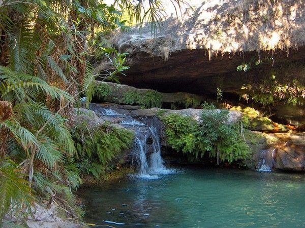 Fond d ecran chute d eau et cascade page 8 for Cascade d eau piscine